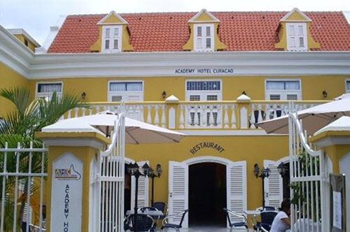 Academy hotell